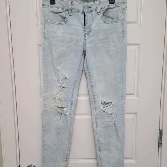 American Eagle women's super stretch skinny jeans